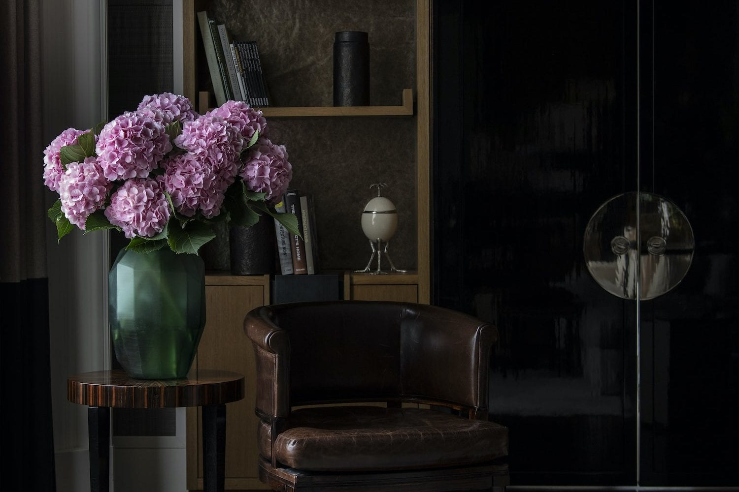 Colour Me Beautiful - Send cut to order, luxury peony flowers direct from the growers and delivered by UK's first online florist to be entirely sustainable and 100% plastic-free.