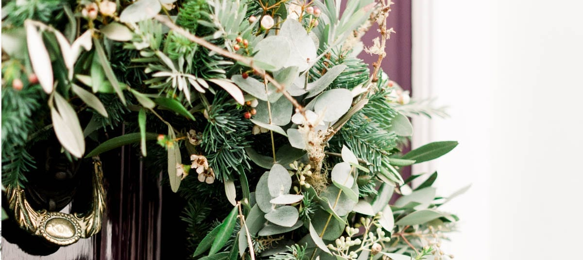 christmas wreaths delivered - Send cut to order, luxury peony flowers direct from the growers and delivered by UK's first online florist to be entirely sustainable and 100% plastic-free.