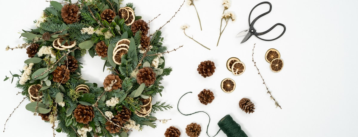diy wreath kit - Send cut to order, luxury peony flowers direct from the growers and delivered by UK's first online florist to be entirely sustainable and 100% plastic-free.