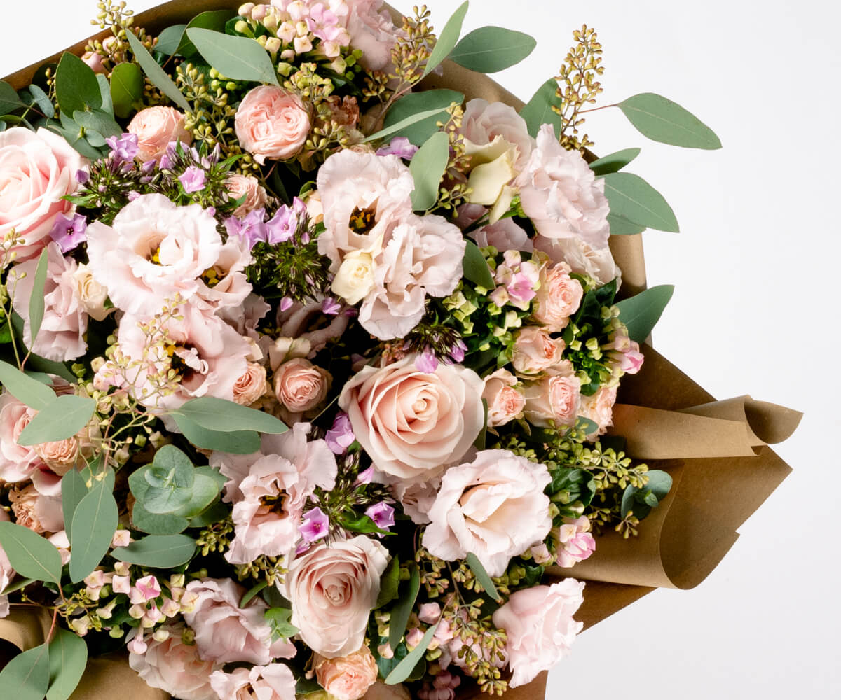 LARGS, AYRSHIRE Bouquet Sustainable Flower Delivery | Bloom UK Flower Delivery